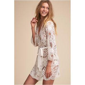 Flora Nikrooz Ivory Lace Robe Xs